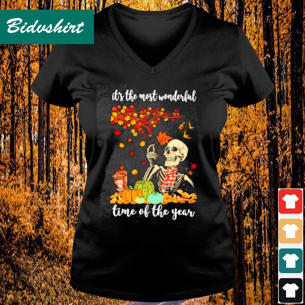 It's the most wonderful time of the years s V-neck t-shirt